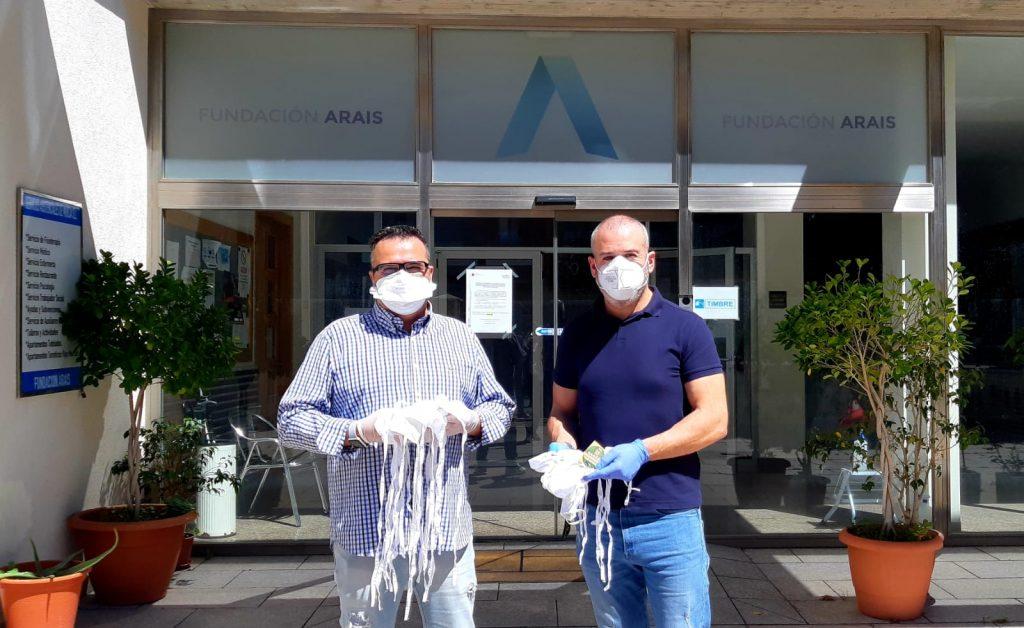 Manuel Ruiz, delegado de RAGCE en Murcia nos hace entrega de las mascarillas